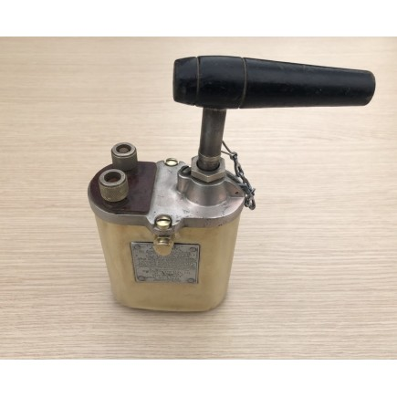 BLASTING MACHINE 10 CAP WWII